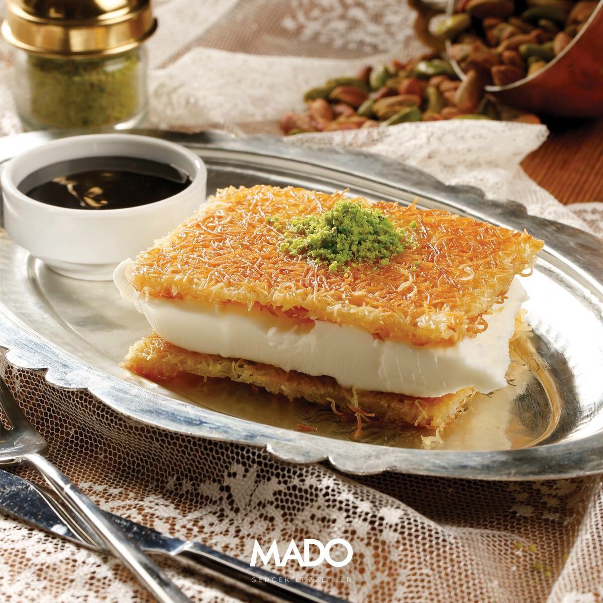 CpwnVRYWAAAi8Qe - Τουρκική αλυσίδα ζαχαροπλαστείων έρχεται στη Λάρισα!
