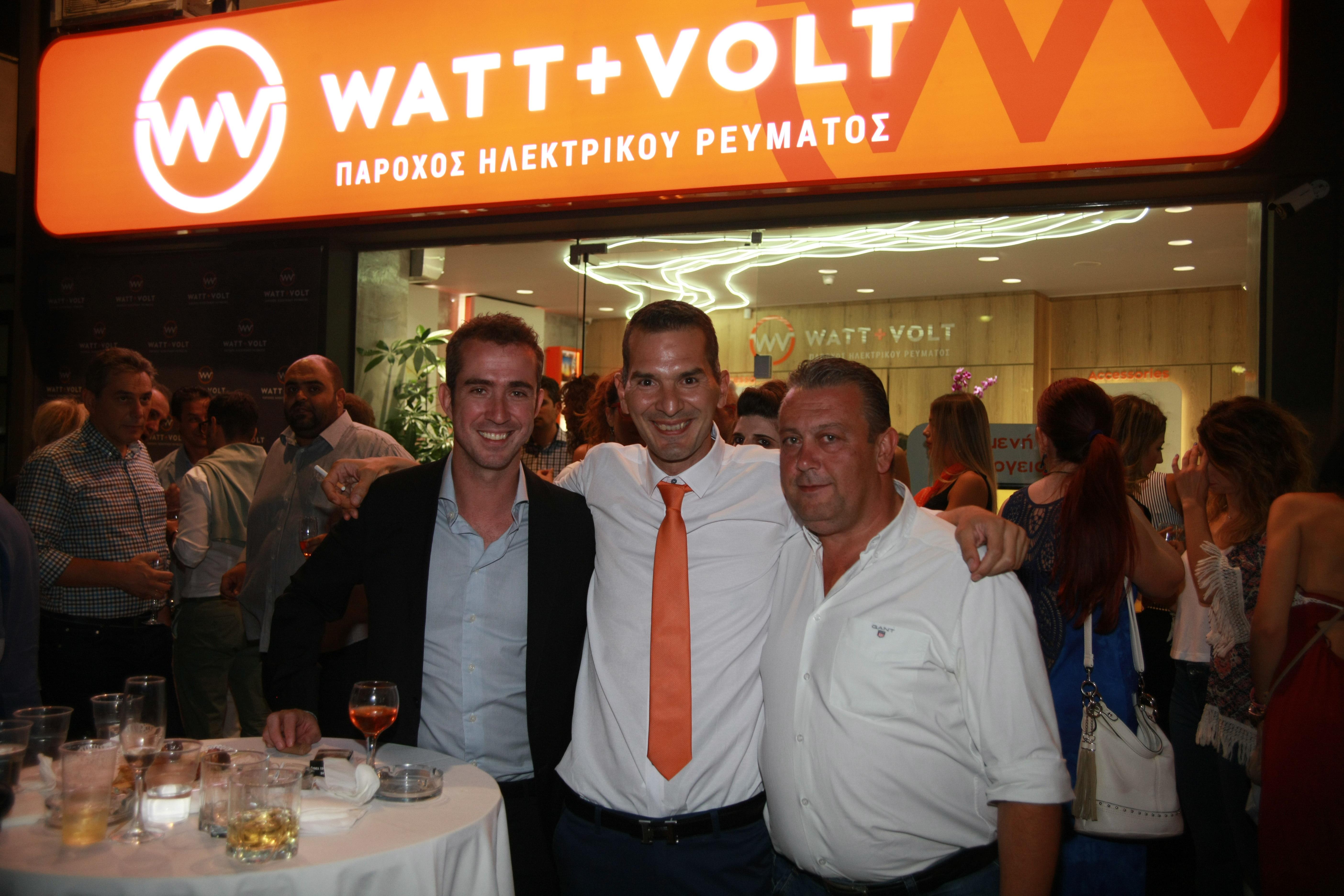 IMGL0592 - Εγκαινιάστηκε το κατάστημα της watt & Volt στη Λάρισα
